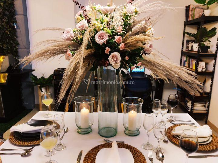 Arreglo floral con pampas