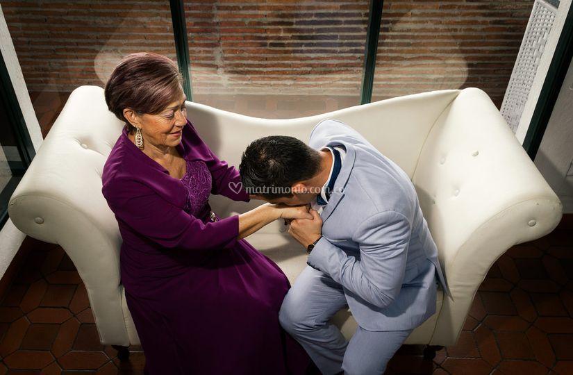 El novio y su madre