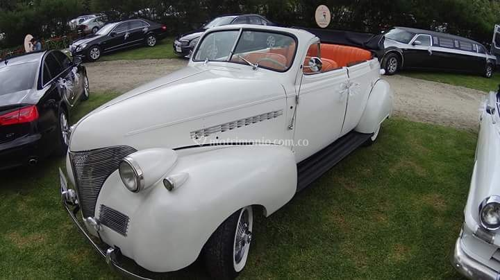 Chevrolet convertible blanco