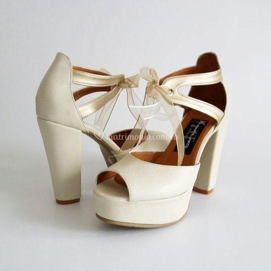 Sandalias con tacón grueso