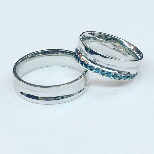 Diamantes Azules y Oro 18k