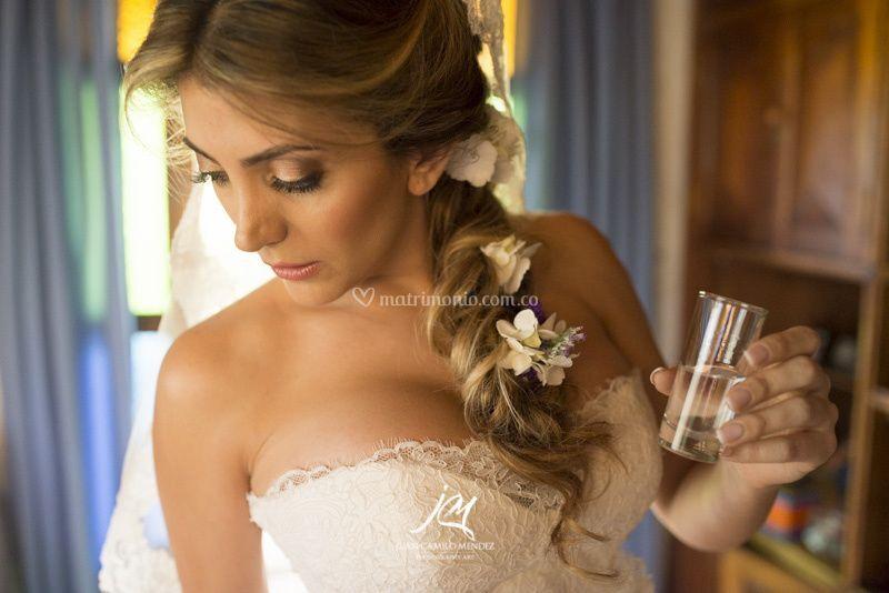 Steelista novia
