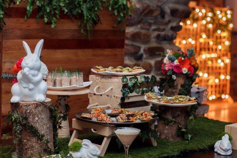 Mesa de comida Alicia en el País de las Maravillas