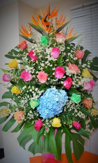 Arreglo floral multicolor