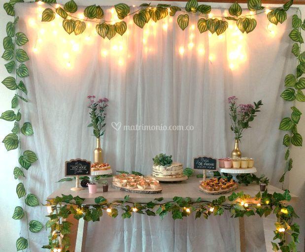 Mesa de postres greenery