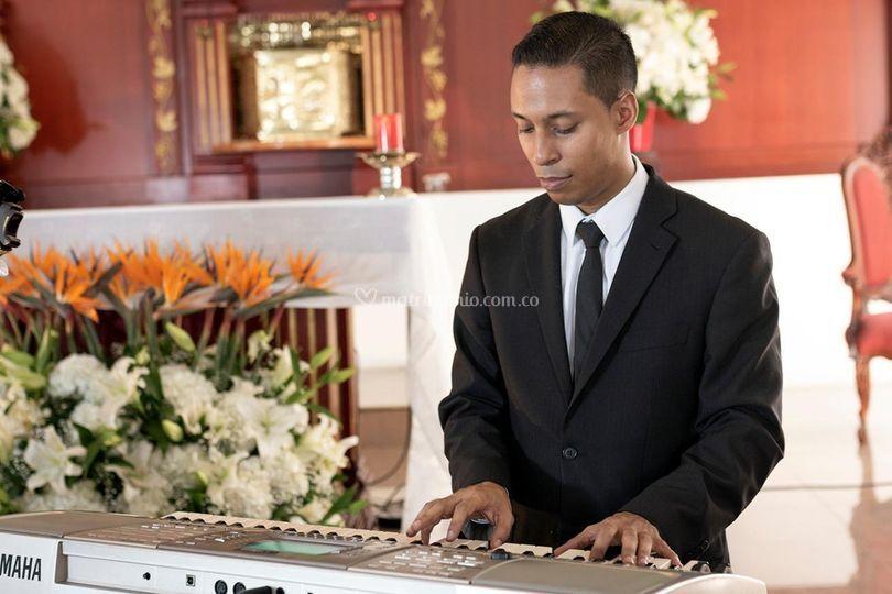 Pianista en boda y recepción