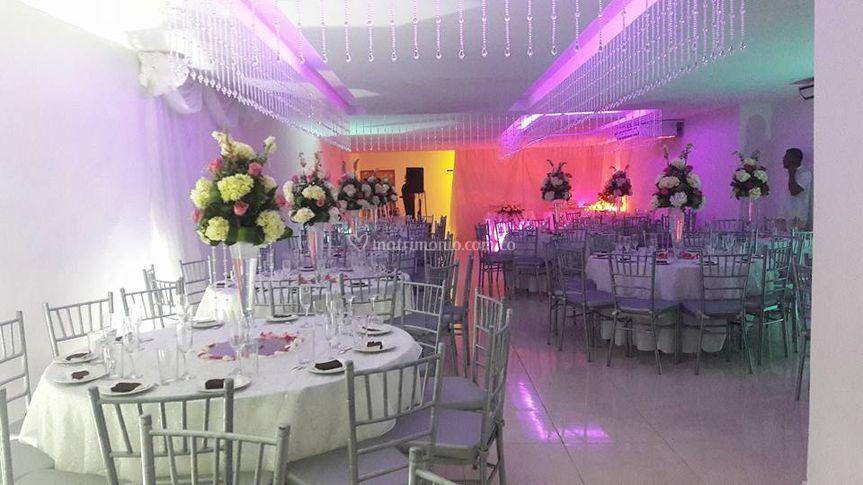 Matrimonio rosado con blanco
