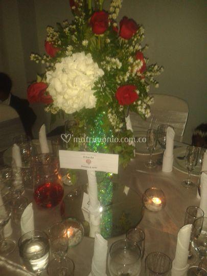 Centro mesa rosas hortensia