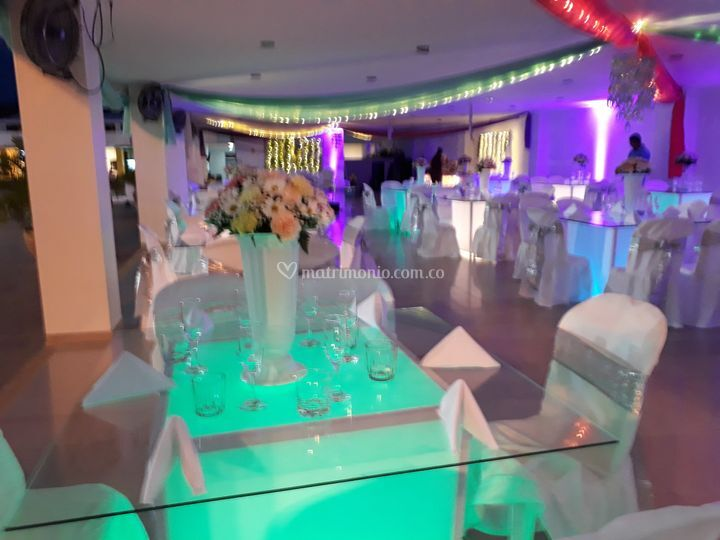 Mesas de lujo en vidrio