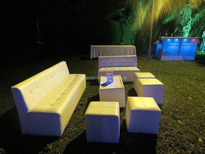 Salas lounge, y bar