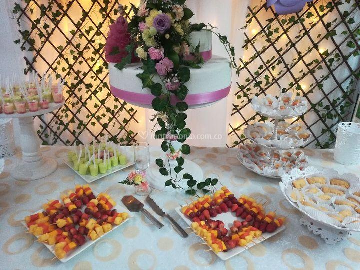 Almendra Banquetes