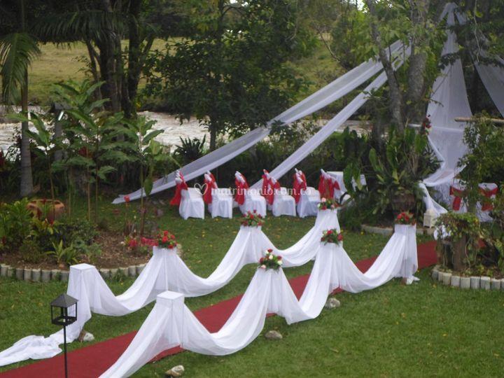 Matrimonio al pie del Río