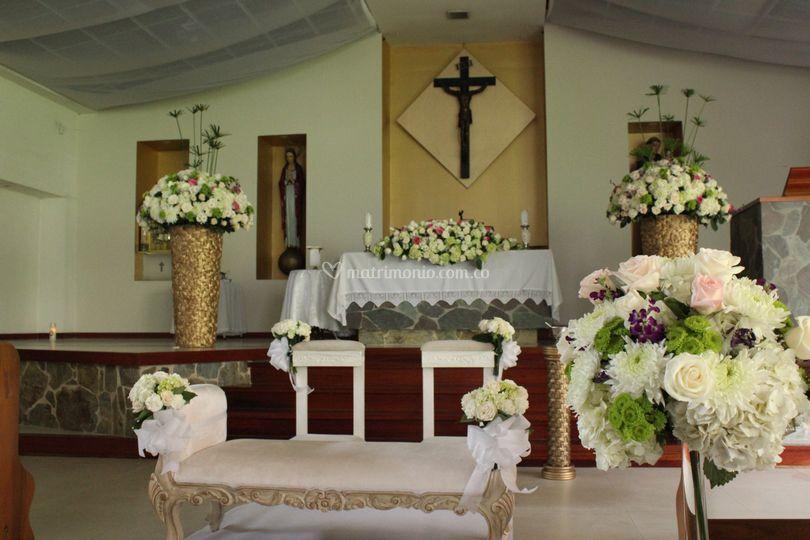 Mesa altar y reclinatorio