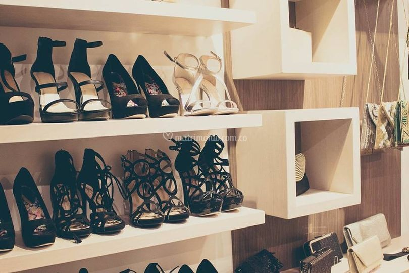 Zapatos en alquiler