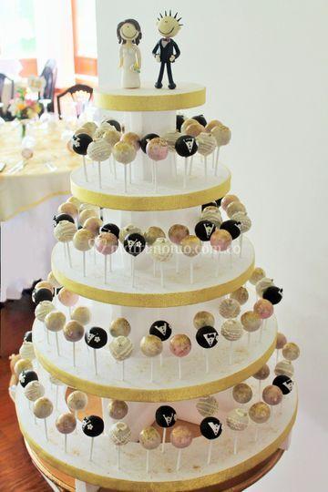 Torre de cakepops para boda