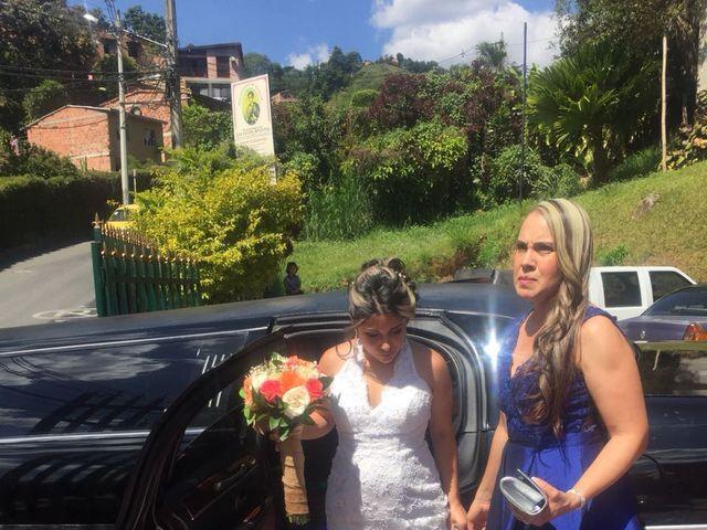 El matrimonio de Daniel  y Lady Johana  en Sabaneta, Antioquia 7