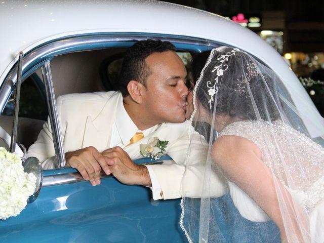 El matrimonio de Edgardo y Glenda en Cartagena, Bolívar 26