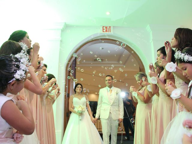 El matrimonio de Edgardo y Glenda en Cartagena, Bolívar 31