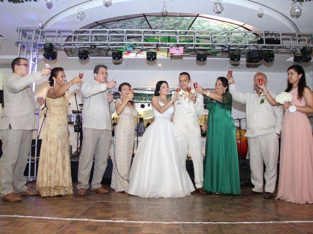 El matrimonio de Edgardo y Glenda en Cartagena, Bolívar 32