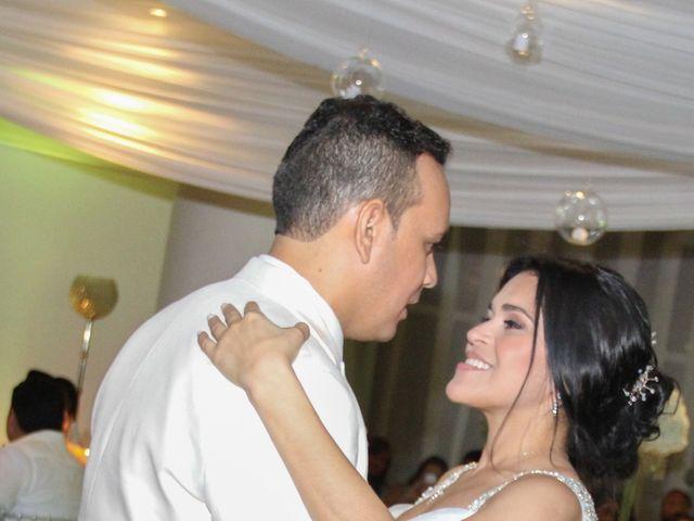 El matrimonio de Edgardo y Glenda en Cartagena, Bolívar 36