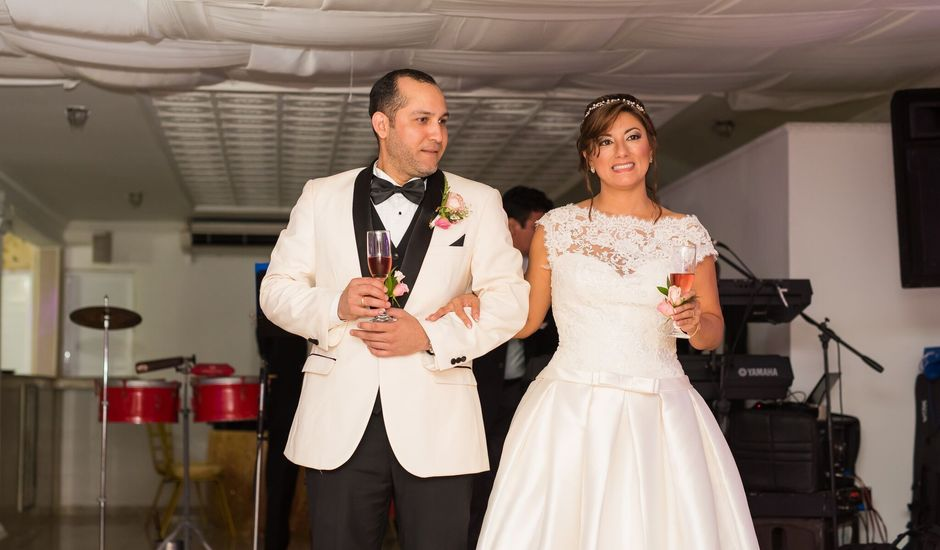 El matrimonio de Alvaro Amador  y Andrea Lozano  en Cartagena, Bolívar