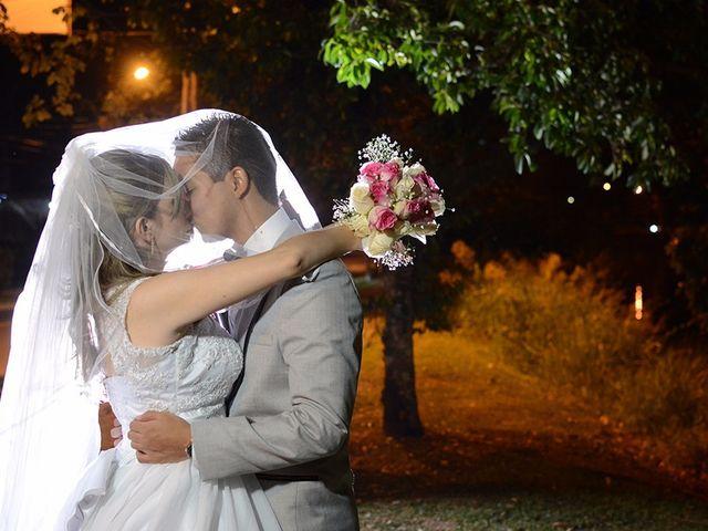 El matrimonio de Carlos y Laura en Cali, Valle del Cauca 23