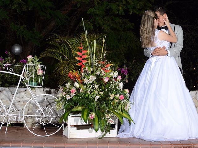 El matrimonio de Carlos y Laura en Cali, Valle del Cauca 29