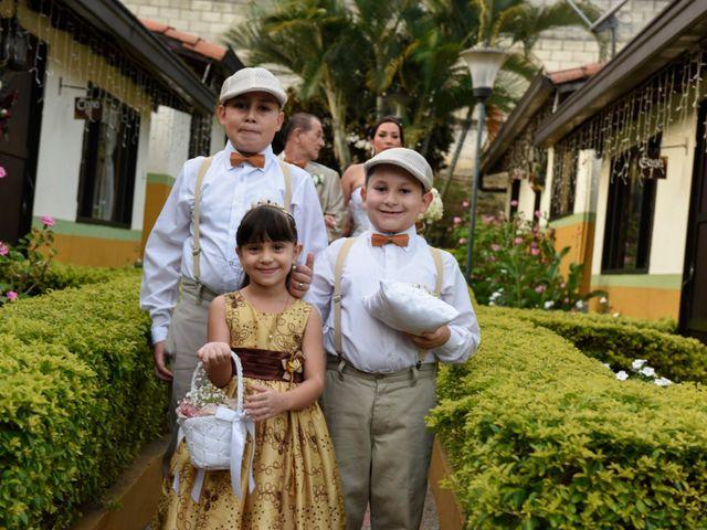 El matrimonio de Jose y Johana en Medellín, Antioquia 12
