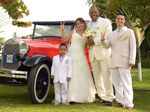 El matrimonio de Jesus Hinestroza y Clara Ortiz en Pereira, Risaralda 9