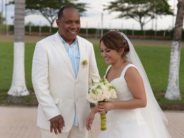 El matrimonio de Jesus Hinestroza y Clara Ortiz en Pereira, Risaralda 21