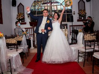 El matrimonio de Daniela y Julián