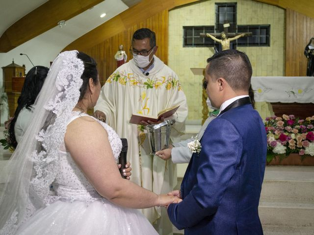 El matrimonio de Alfredo  y Ivone Carolina  en Bogotá, Bogotá DC 23
