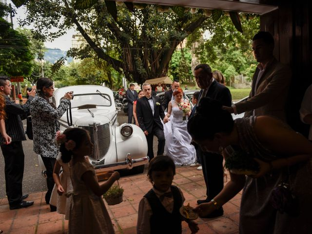 El matrimonio de Rafael y Laura en Medellín, Antioquia 21