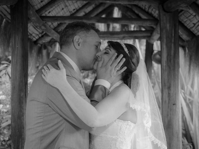 El matrimonio de Marlon   y Maria Lucia en Chía, Cundinamarca 15