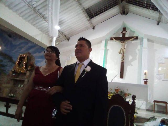 El matrimonio de Luis Alberto  y Aura Rocío en Floridablanca, Santander 6