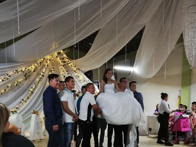 El matrimonio de Luis Alberto  y Aura Rocío en Floridablanca, Santander 8