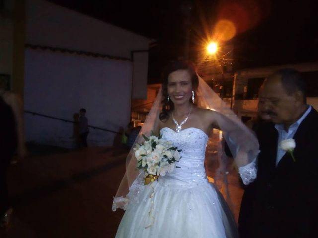 El matrimonio de Luis Alberto  y Aura Rocío en Floridablanca, Santander 13