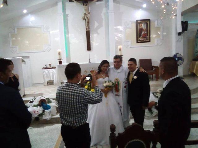 El matrimonio de Luis Alberto  y Aura Rocío en Floridablanca, Santander 16