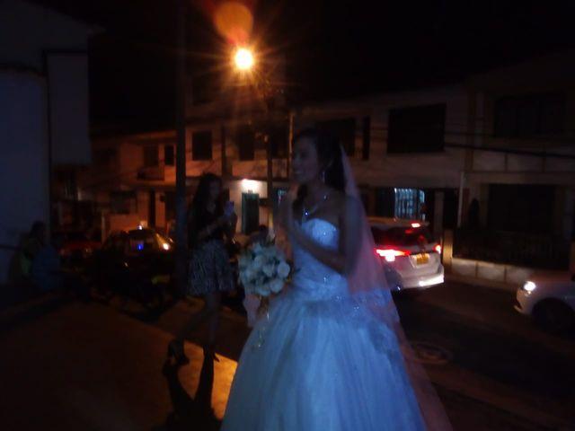 El matrimonio de Luis Alberto  y Aura Rocío en Floridablanca, Santander 23