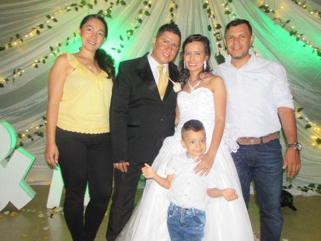 El matrimonio de Luis Alberto  y Aura Rocío en Floridablanca, Santander 1