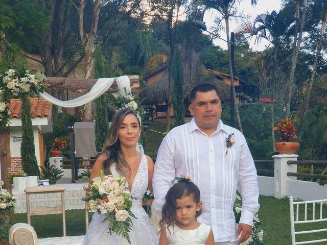 El matrimonio de Ángel María   y Jesline   en Copacabana, Antioquia 8