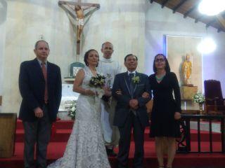 El matrimonio de Mònica  y John