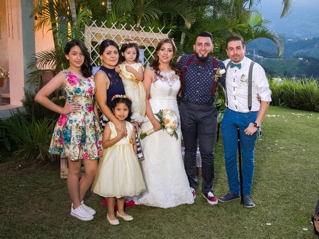 El matrimonio de Alex y Sandra en Sabaneta, Antioquia 16