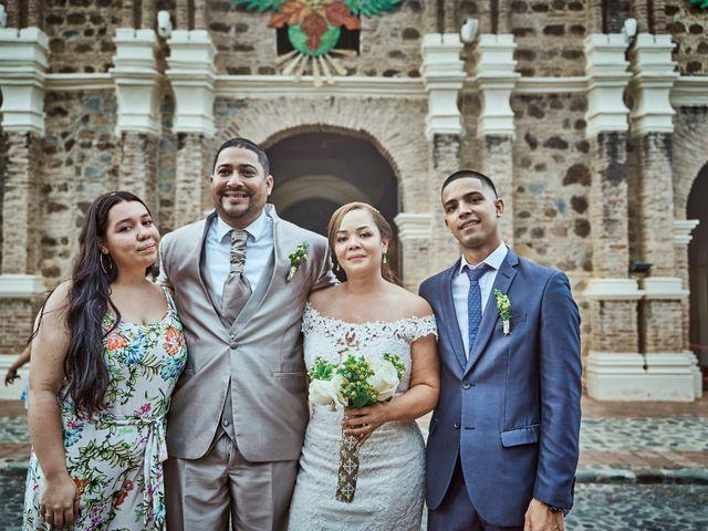 El matrimonio de Carlos y Marcela en Santafé de Antioquia, Antioquia 24