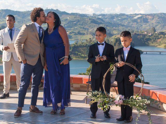 El matrimonio de Rayson y Laura en Guatapé, Antioquia 11