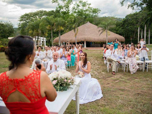 El matrimonio de Josep y Carolina en Santafé de Antioquia, Antioquia 11