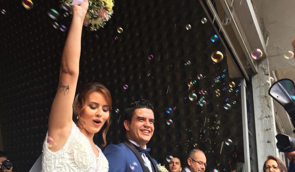 El matrimonio de Juan Miguel y Carolina en Medellín, Antioquia