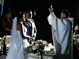 El matrimonio de María del Carmen y Branly 3