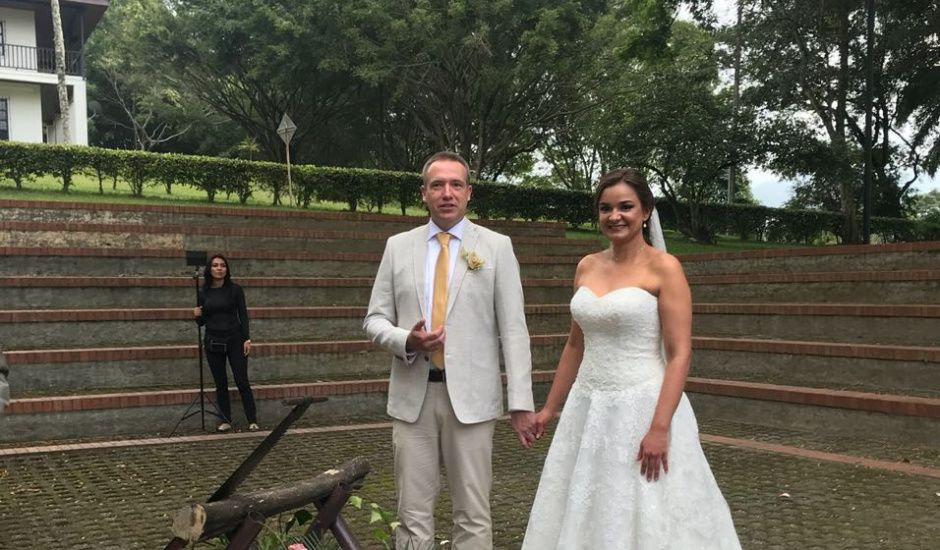 El matrimonio de Bernd  y Paola Andrea en Cali, Valle del Cauca