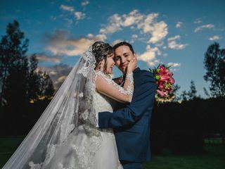 El matrimonio de Caro y John